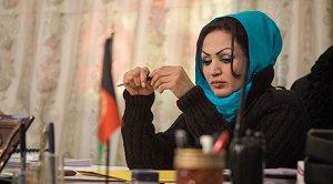 Afganistan'ın ilk kadın yönetmeni Saba Sahar, Kabil'de silahlı saldırıda vuruldu