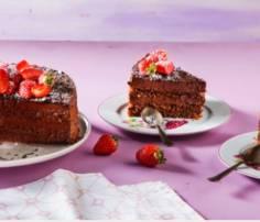 Ποιος θα πει όχι σε ένα σοκολατένιο γλυκό μετά το πασχαλινό τραπέζι; Λαχταριστή τούρτα σεράνο!